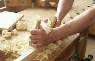 خدمات تصليحات النجارة و الاخشاب