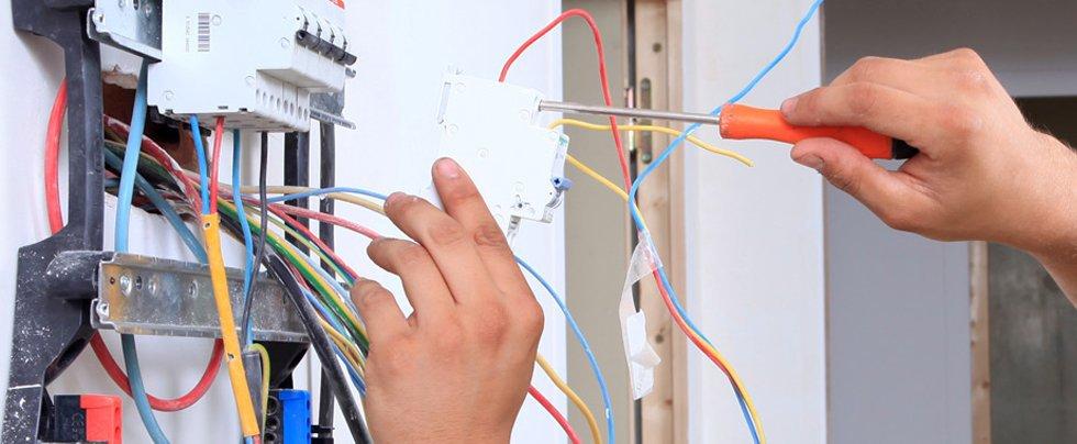 صيانه الكهرباء من الفروانية فى المستضيف العربي