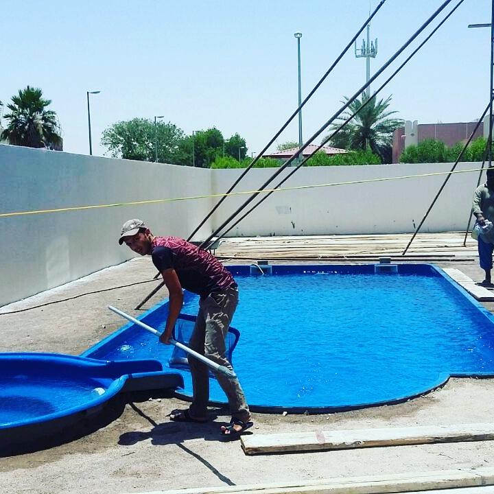 تصليح حمامات السباحة من المستضيف العربى فى الكويت فى مبارك الكبير